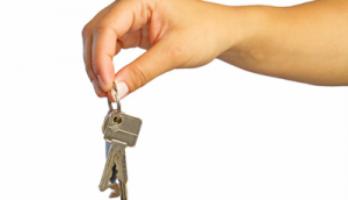 Реально ли одинокой маме получить ипотеку?